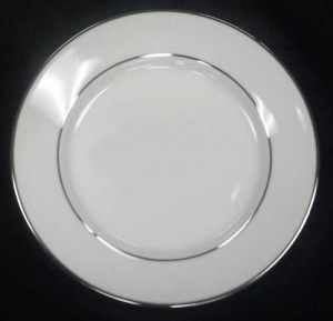 China & Dinnerware - Platinum Trim Salad / Dessert Plate Rental